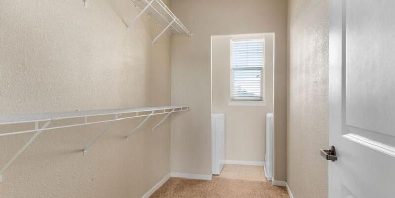 Camson Villas bedroom closet