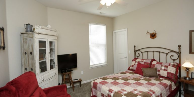 2nd bedroom 2th