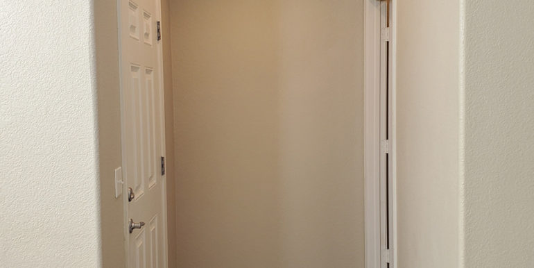 Camson-2-bedroom-townhome-front-entry-photo